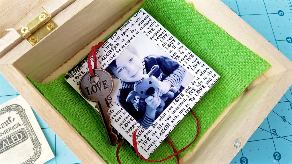 how to make a diy photo keepsake box with pull out photos