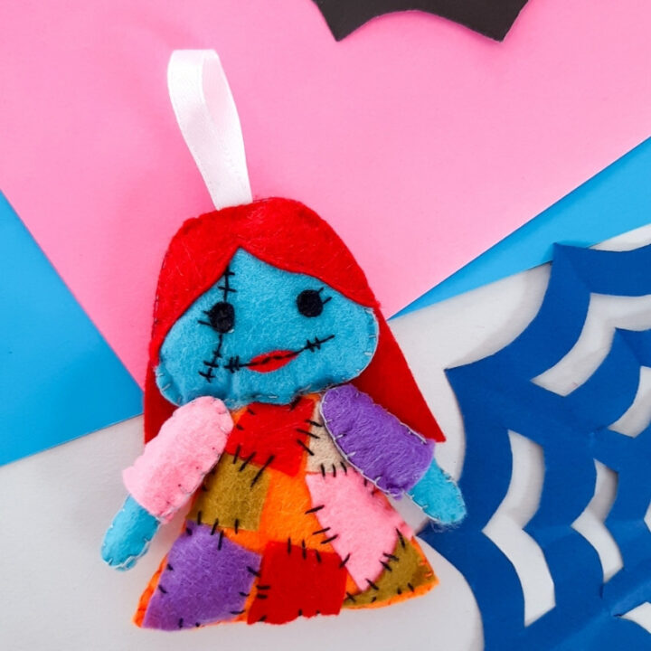 Sally ornament pattern free How to Make Christmas Gnomes: Free Felt Gnomes Pattern