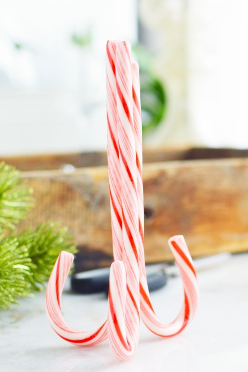 candy cane place card holders (2)